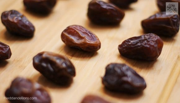 dates getting prepped for Tahini Bon Bons