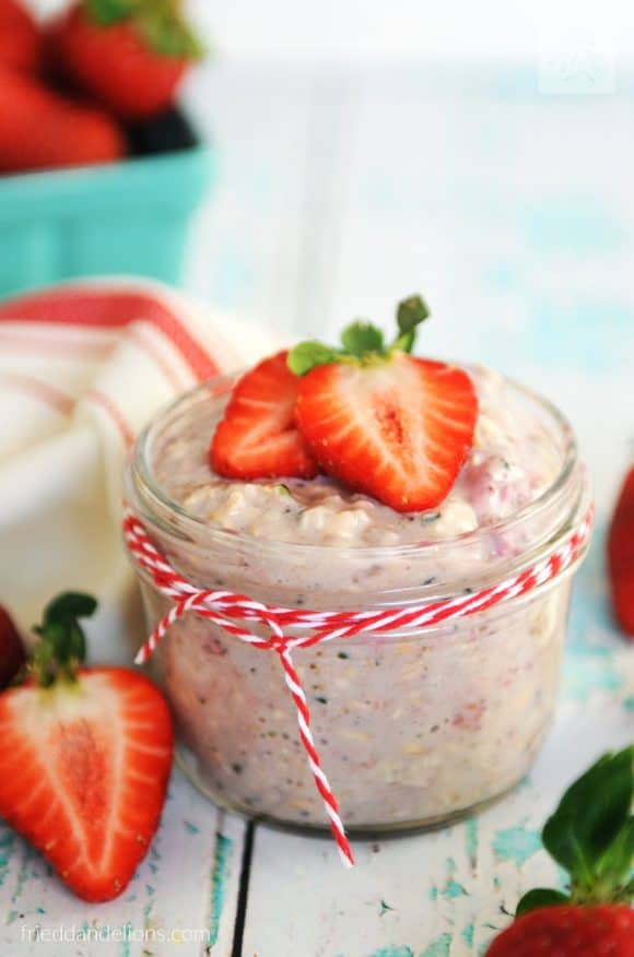 strawberry overnight oats - vegan recipes that are PINK